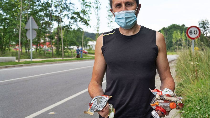 El 'runner' de Tomiño que recoge basura mientras corre