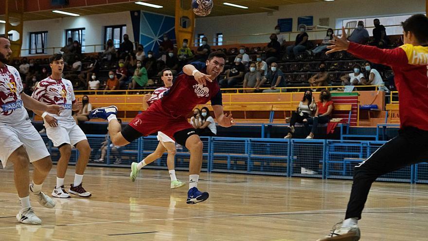 El Balonmano Zamora da un paso más en la preparación para la Liga