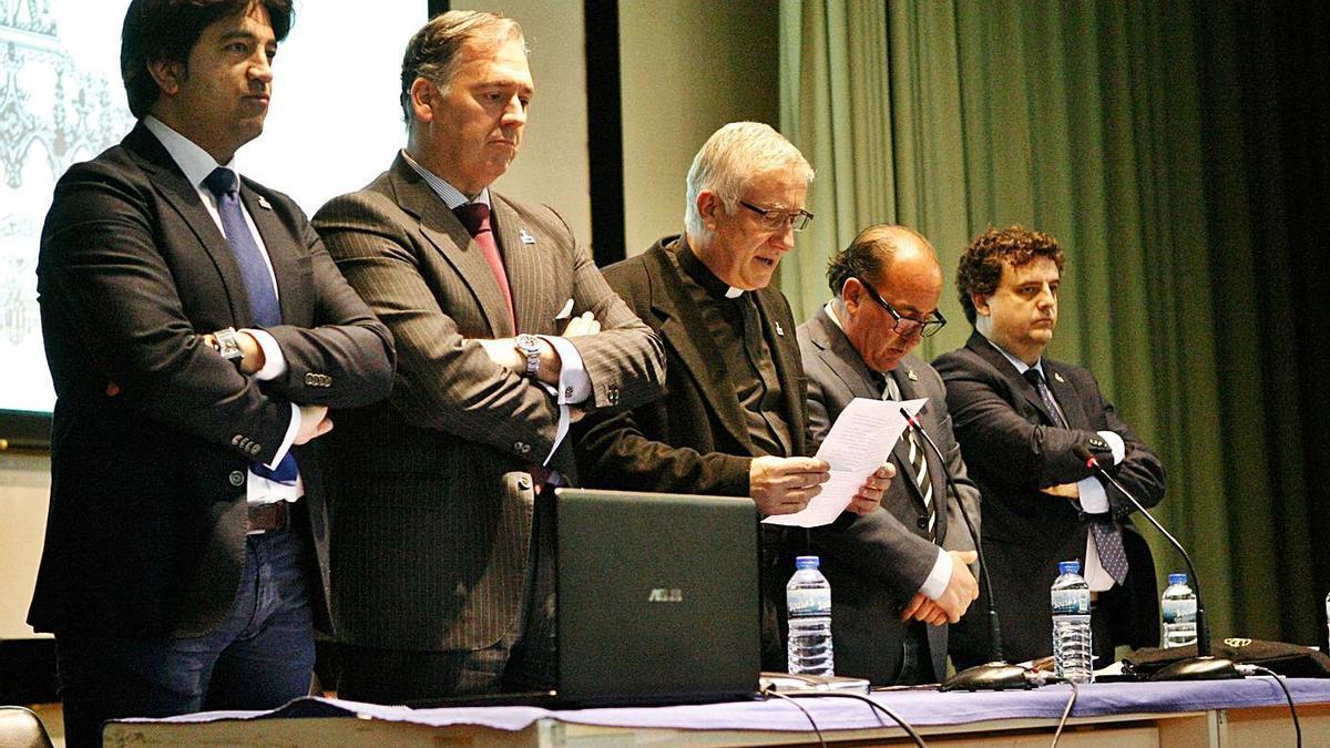 El Santo Entierro decide anular el proceso electoral, incluidas las candidaturas