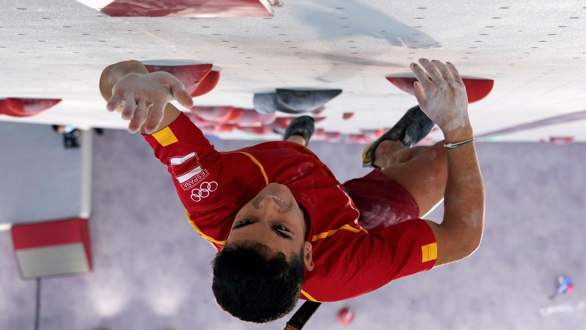 Alberto Ginés, campeón olímpico de escalada