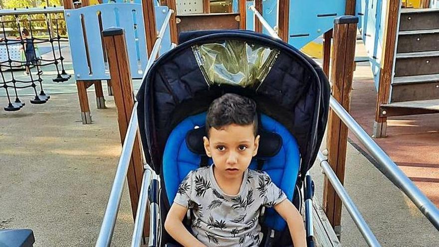 El niño que solo quiere un parque para jugar en Alicante