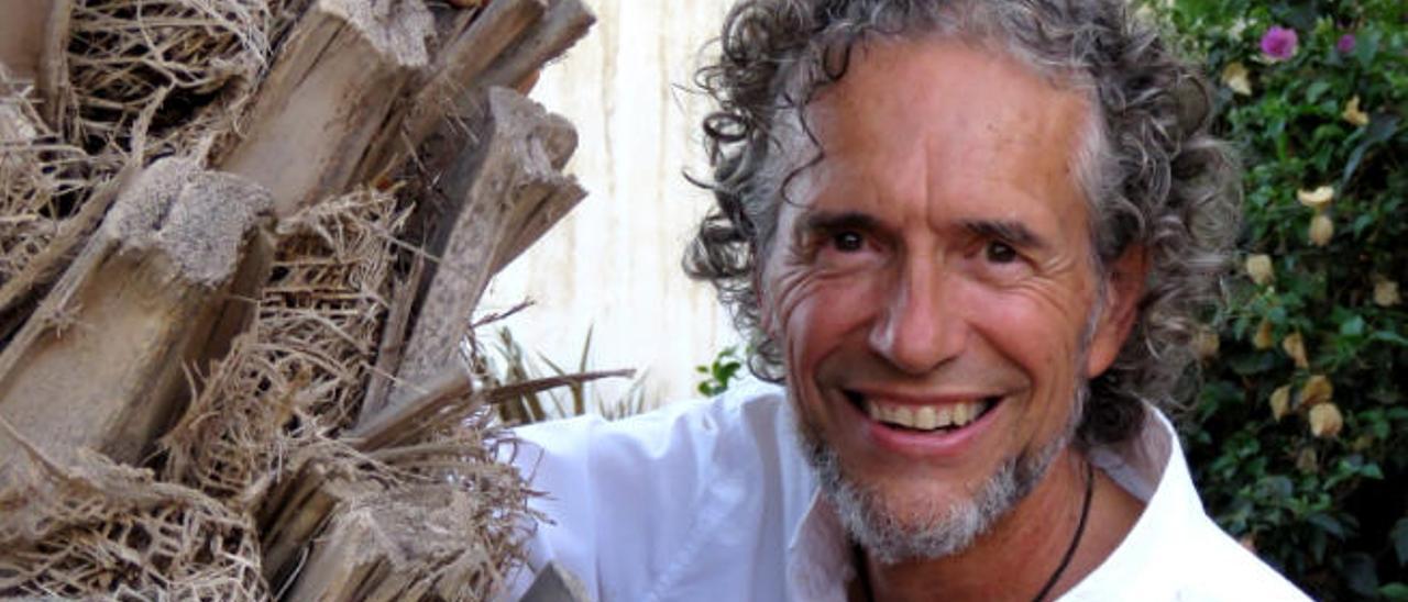 César-Javier Palacios, periodista ambiental y escritor. Es autor del libro 'NaturalMente'.
