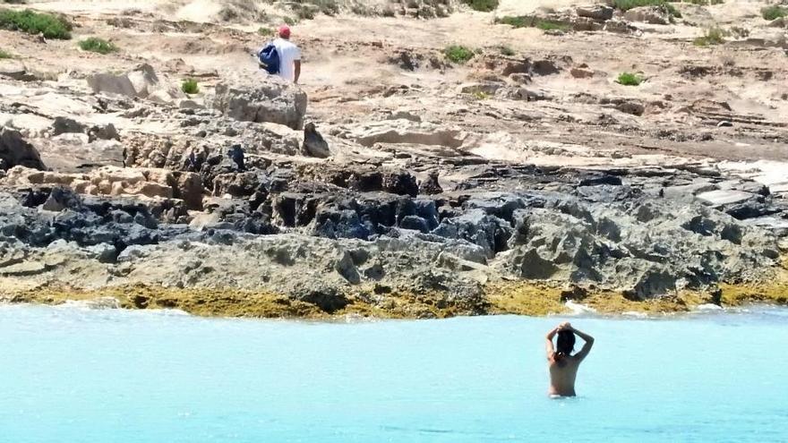 Formentera anuncia la reapertura de los chiringuitos de playa