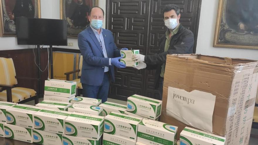 Donación de 10.000 mascarillas a las residencias de ancianos de la Vega Baja