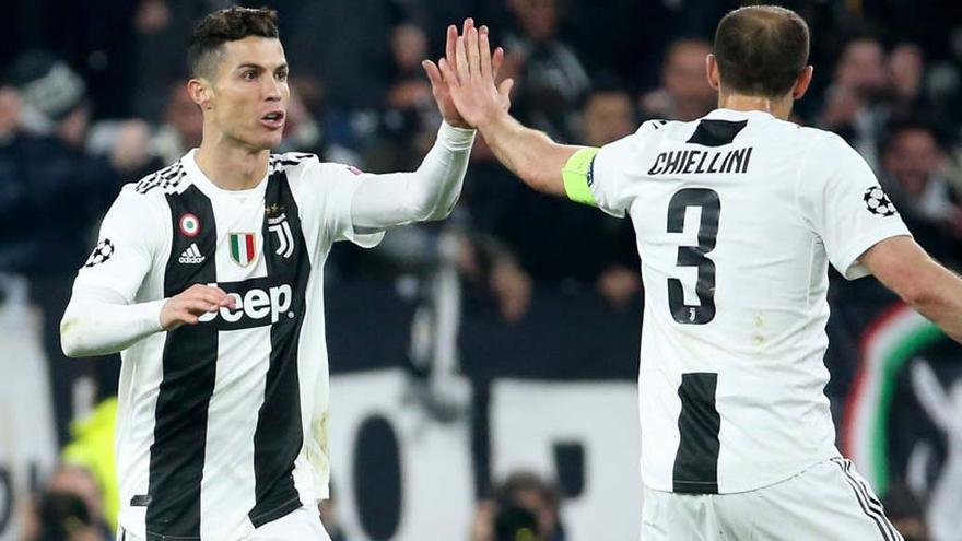 """Chiellini: """"Cristiano debería haberse ido antes para llegar más preparados a la competición"""""""