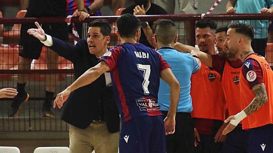 """Diego Ríos: """"Tenemos que ir con todo a Valdepeñas"""""""