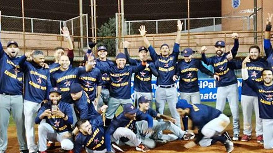 Los Astros de Valencia conquistan su tercer título en División de Honor