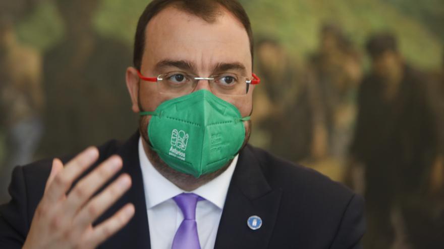 """Adrián Barbón: """"La cooficialidad necesita 27 votos y uno debe cumplir sus compromisos del programa de gobierno"""""""