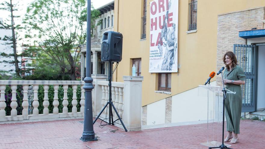Orihuela presenta el cartel de fiestas de Moros y Cristianos con una imagen de valentía en momentos difíciles