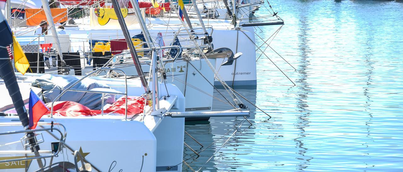 Embarcaciones atracadas en el Muelle Deportivo antes de la salida de la ARC Plus.