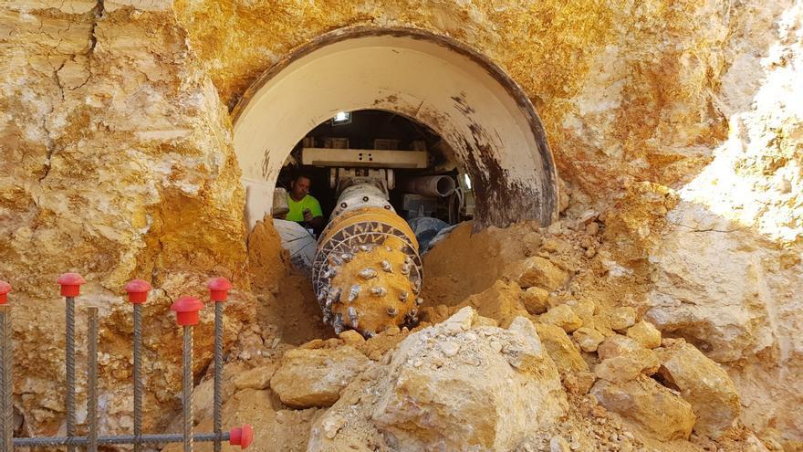 La EMSHI renueva en Manises dos tuberías con 50 años de antigüedad