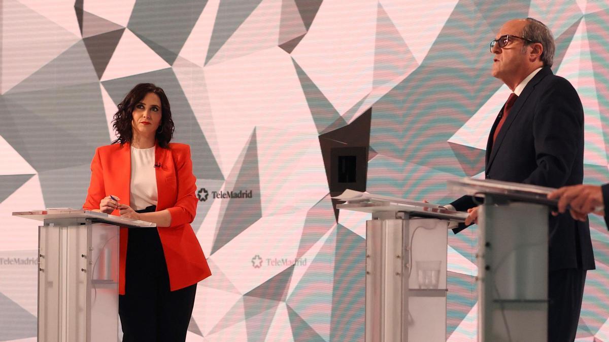 Isabel Díaz Ayuso y Ángel Gabilondo, en el debate de Telemadrid.