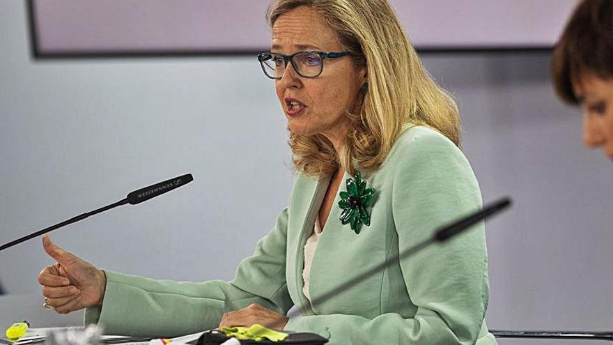 Calviño rechaza los bloques territoriales
