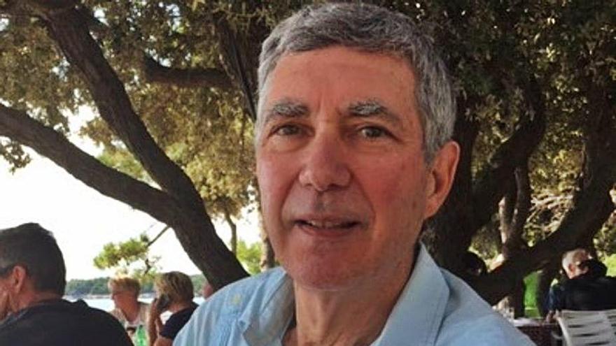 Andrés López Bernal llega a la literatura infantil con 'Cuentos para mis nietos'