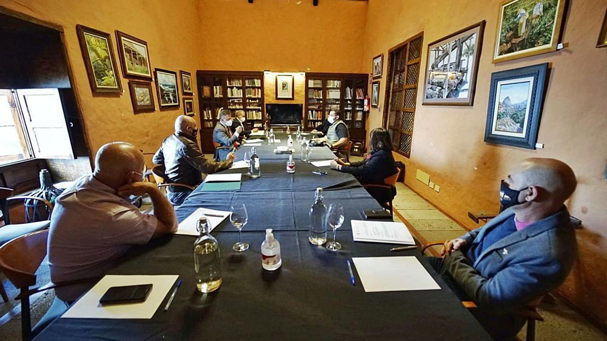 Un momento de la reunión de la Mesa de la Apicultura que no se convocaba desde hace seis años.