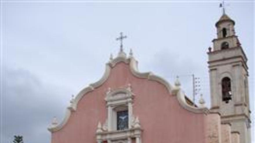 Detenido por robo mediante escalo en siete iglesias