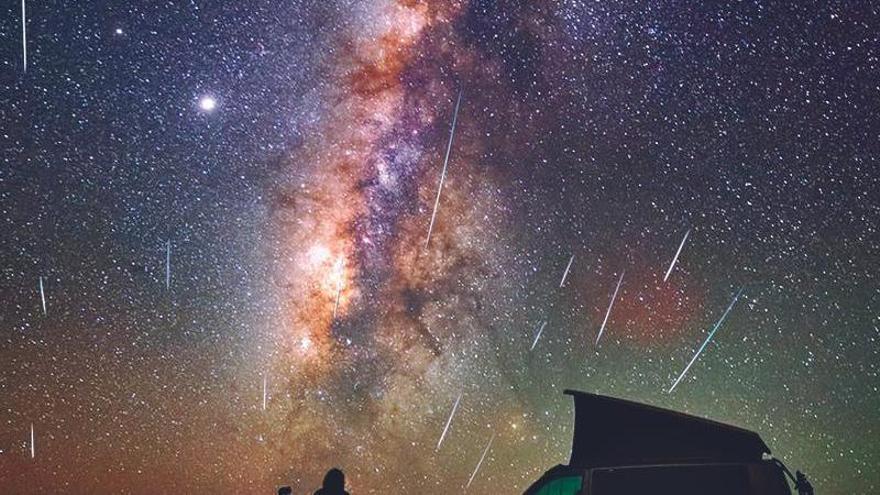 El fulgor incomparable de las Perseidas ilumina el cielo canario