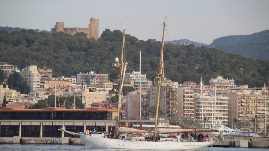 Llega a Palma el buque escuela sueco 'Gladan'