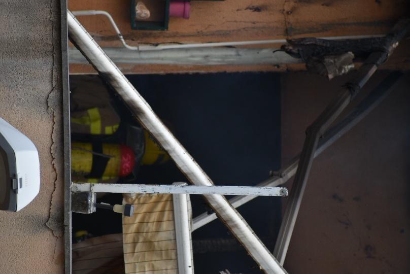 Crema un pis del carrer Vic d'Igualada
