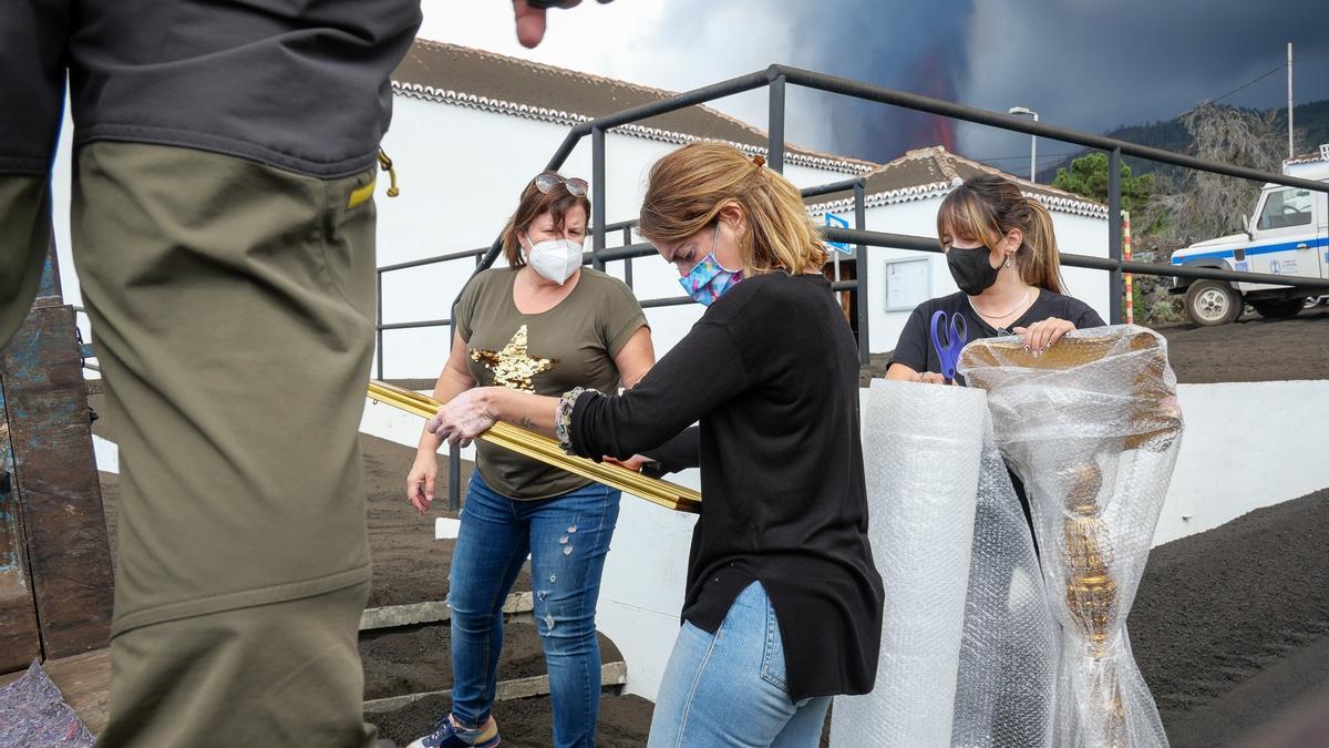 Trasladan el patrimonio de una iglesia de La Palma que ya se salvó en la erupción de 1949