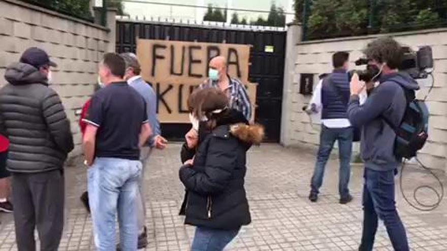 La Fiscalía abre de oficio diligencias por la ocupación de chalés en A Zapateira