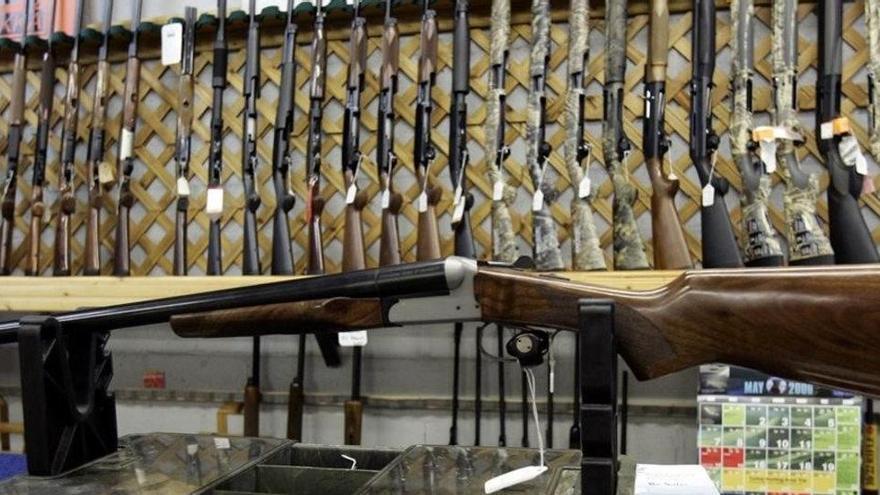 El Canadà prohibeix la venda i l'ús d'armes de foc d'assalt