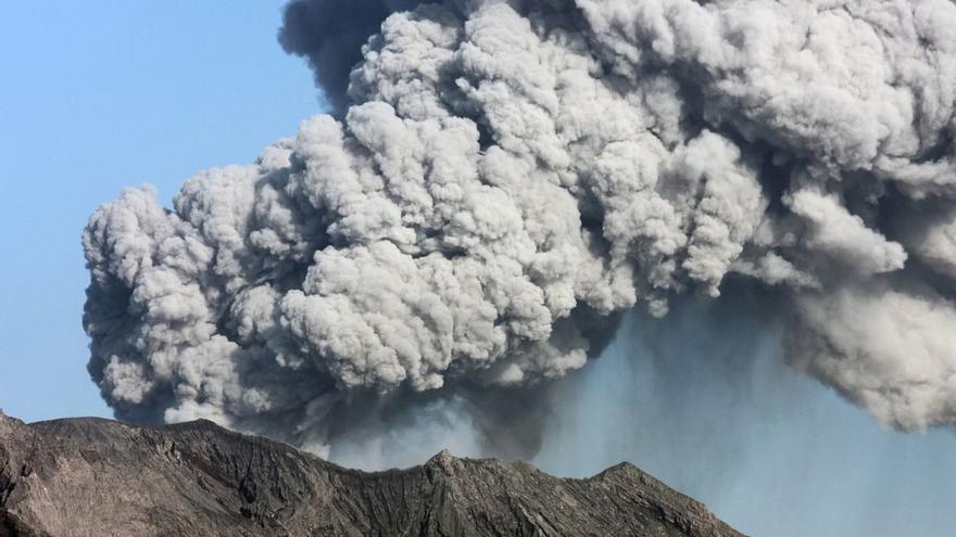 Com puc ajudar els afectats per l'erupció del volcà a La Palma?