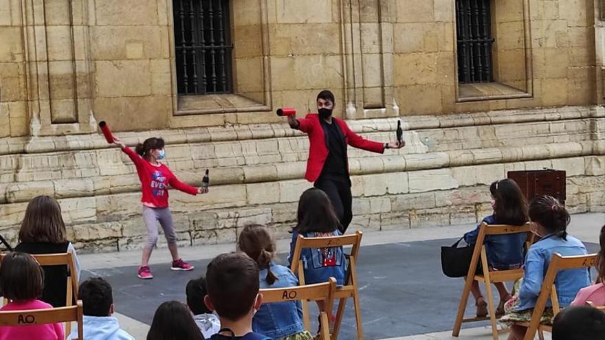 Trucos y risas en Oviedo