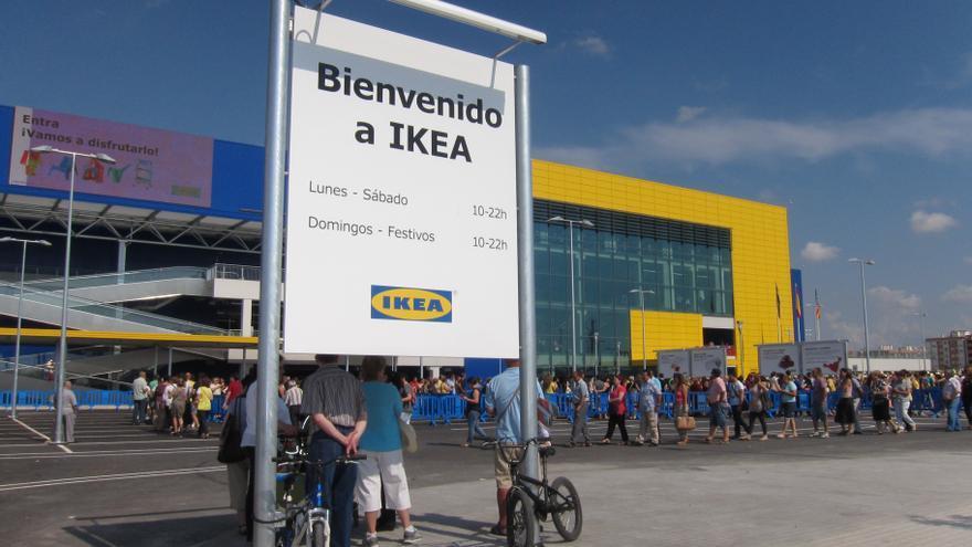 Controles de la Policía en los centros comerciales de Valencia
