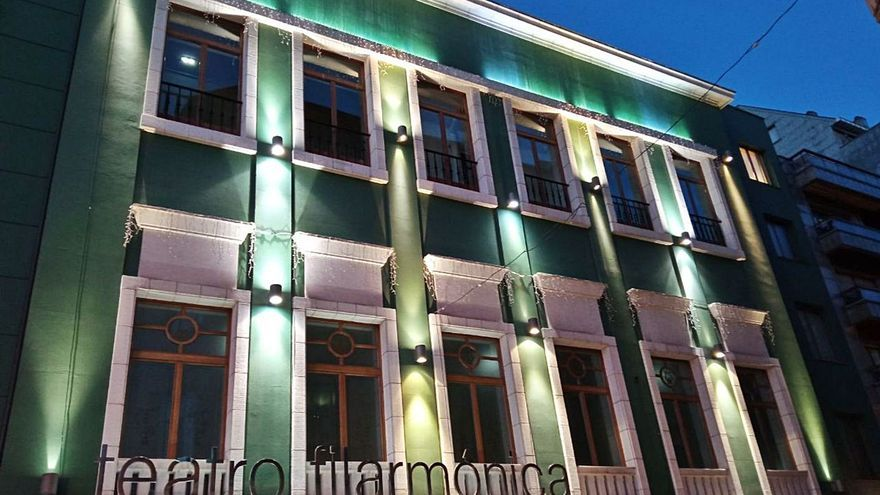 Las luces de la fachada del Filarmónica vuelven a funcionar tras más de dos años