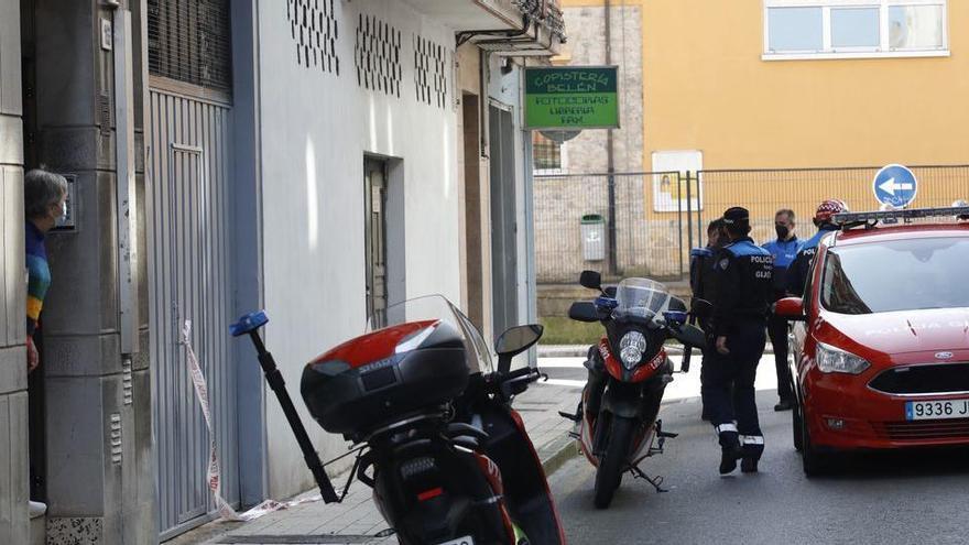La Policía dispara contra un hombre armado con un hacha en Gijón