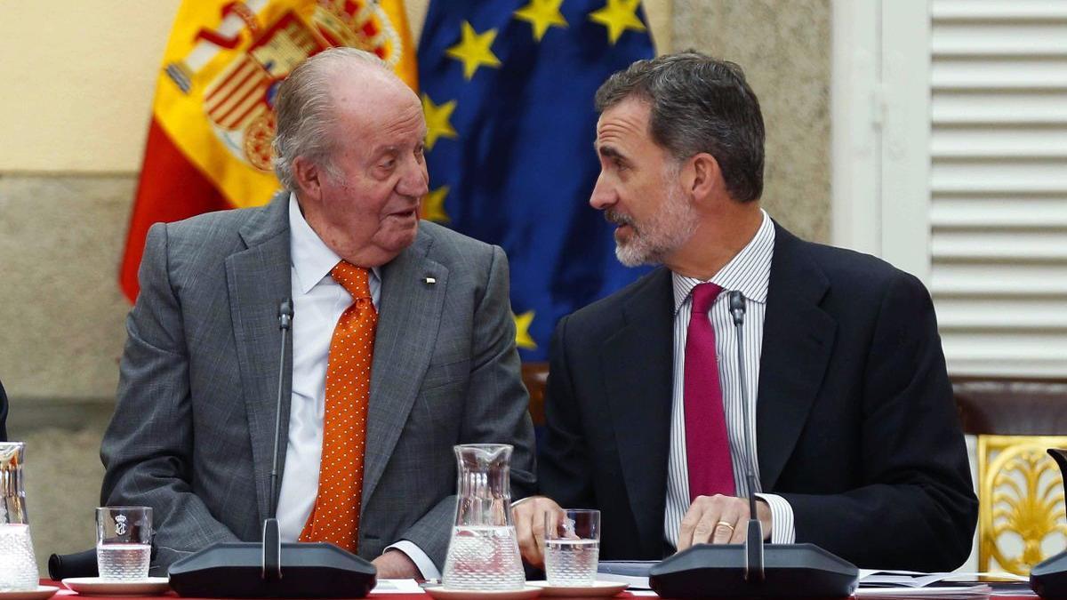 El rey Felipe VI y Juan Carlos, en mayo de 2019, en una reunión del patronato de la Fundación Cotec.