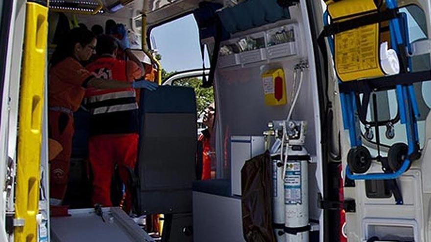 Un motorista resulta herido al chocar contra un turismo en La Gomera