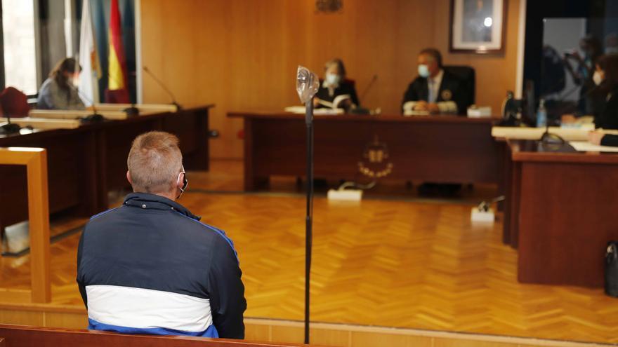 Dos años de cárcel por irrumpir de madrugada en la casa de su expareja y tocarle los pechos