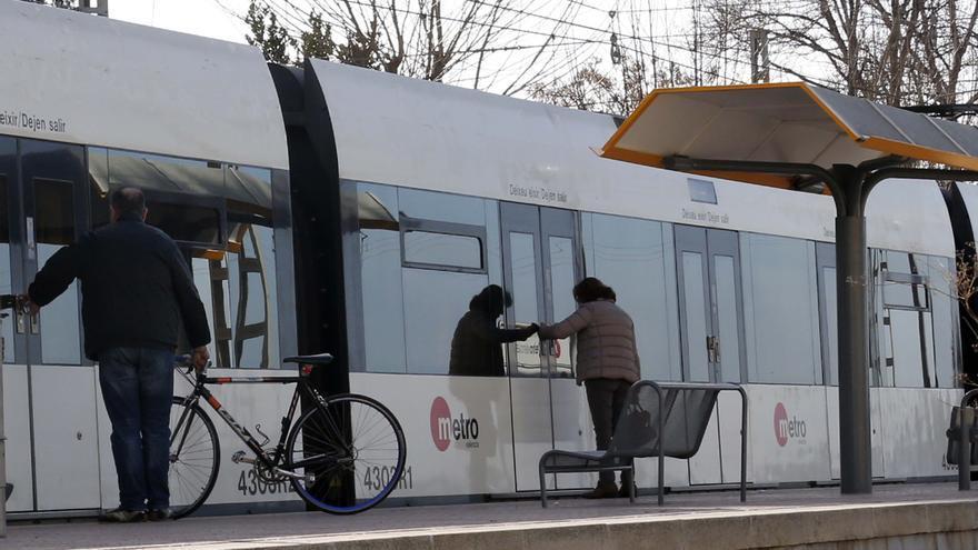 El metro arrolla a una mujer en Massamagrell