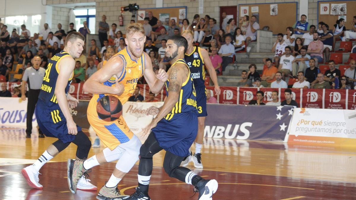 Vilagarcía puede presumir de un evento deportivo con el baloncesto de máximo nivel.