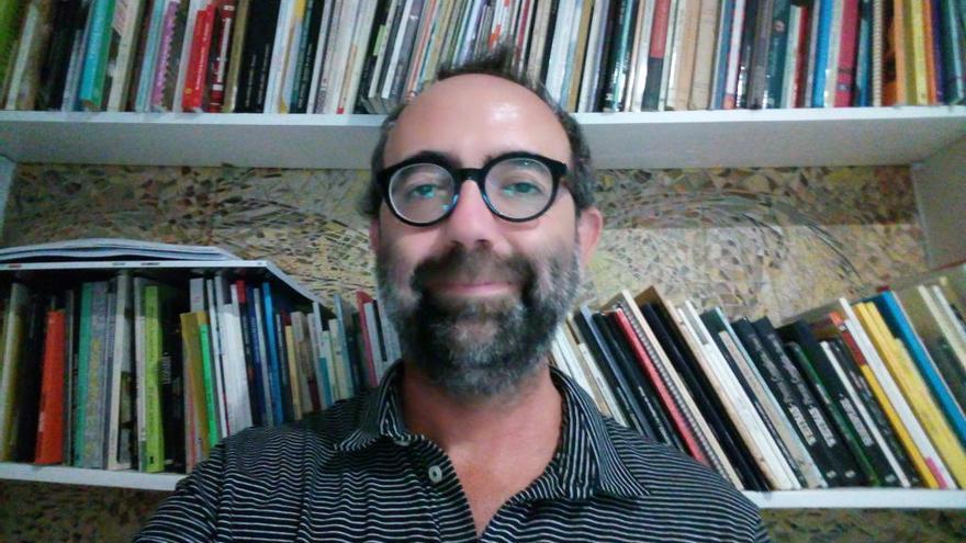 """José Daniel Espejo: """"En la poesía actual veo mucha riqueza, compromiso y talento"""""""