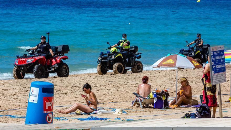 Benidorm estrena con problemas las playas parceladas