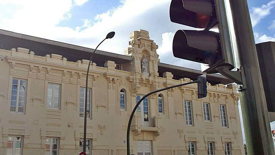 Nuevo conflicto entre el Concello de Betanzos y el Complejo San Roque por el impago del alquiler del hotel