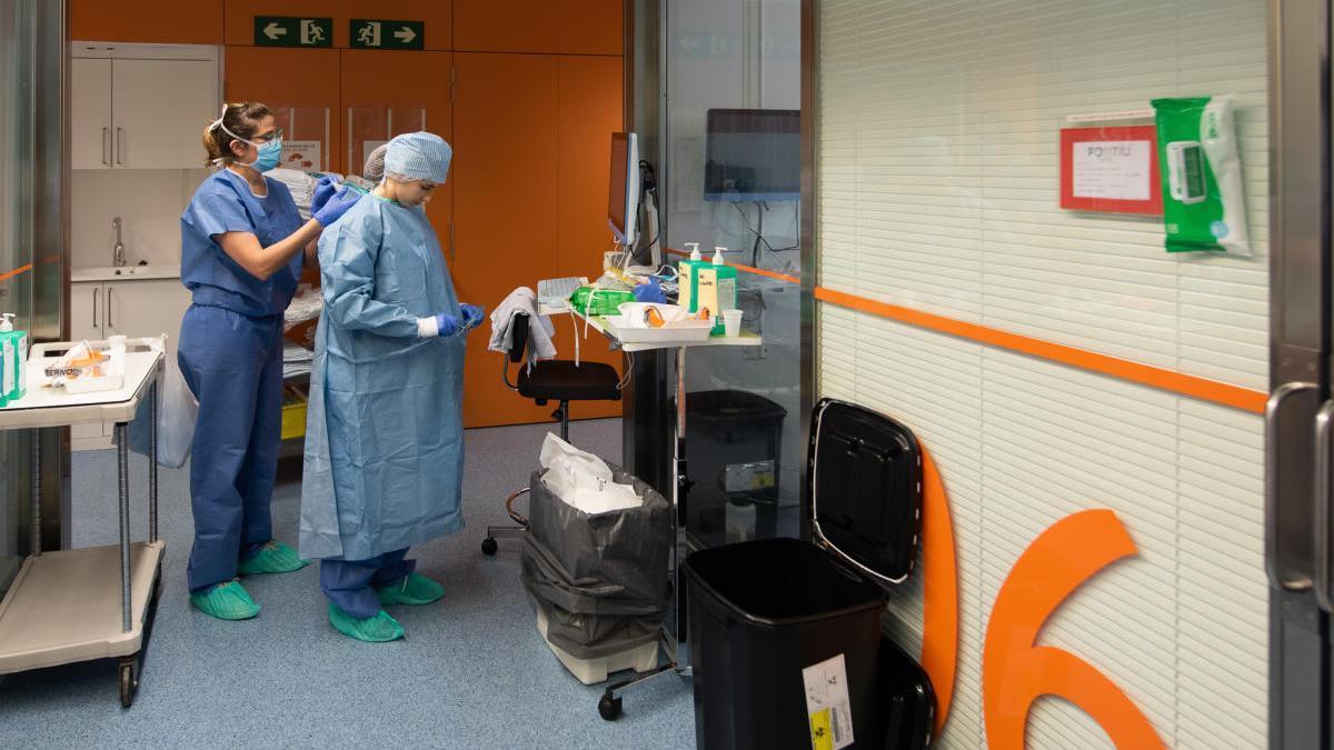 Els contagis a Girona segueixen disparats amb 87 nous casos i hi ha sis ingressats a l'UCI