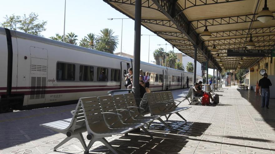 La estación de Renfe en Murcia cerrará cuatro días por las obras del soterramiento