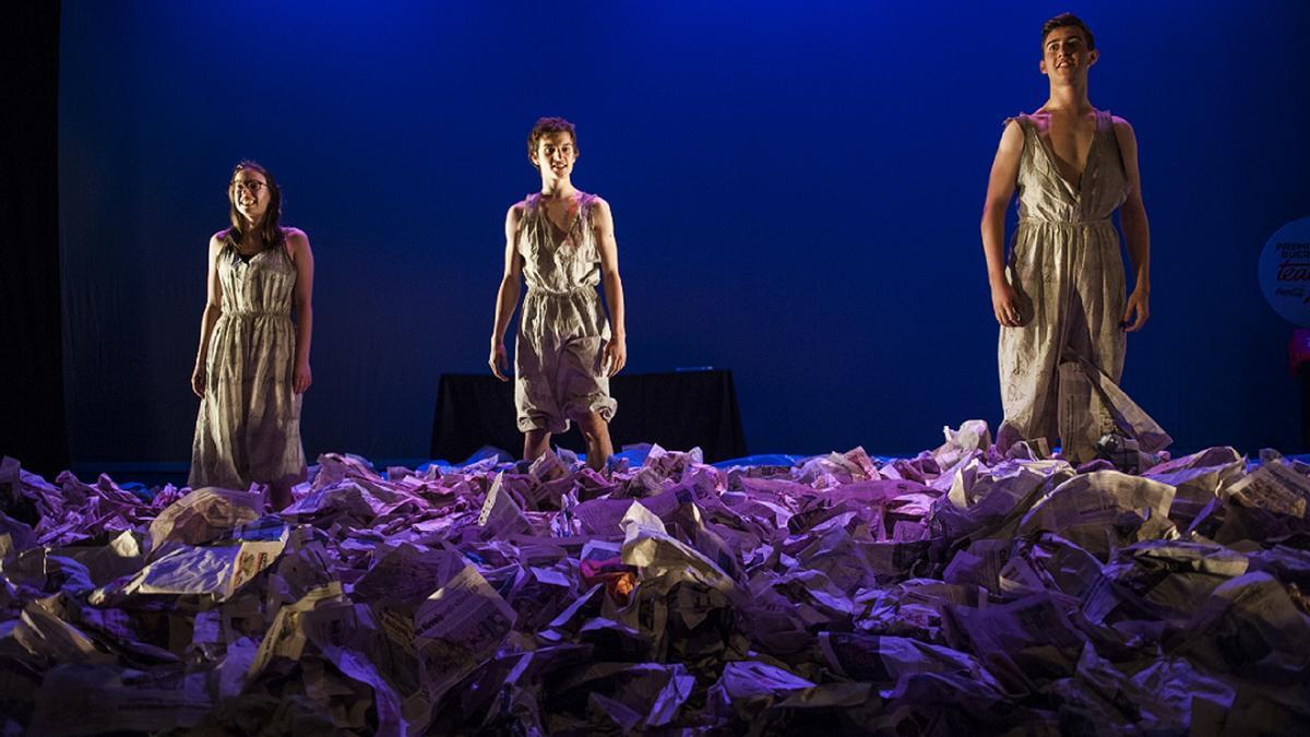 El grupo de teatro Noite de Bohemia, del instituto coruñés de Zalaeta, gana con 'Electra' la fase gallega de los XVIII Premios Buero de Teatro Joven.