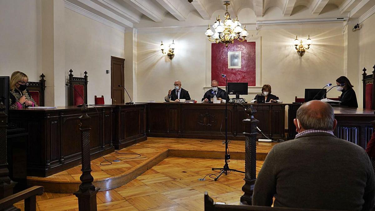 El imputado en su comparecencia de ayer en la Audiencia Provincial. | Jose Luis Fernández
