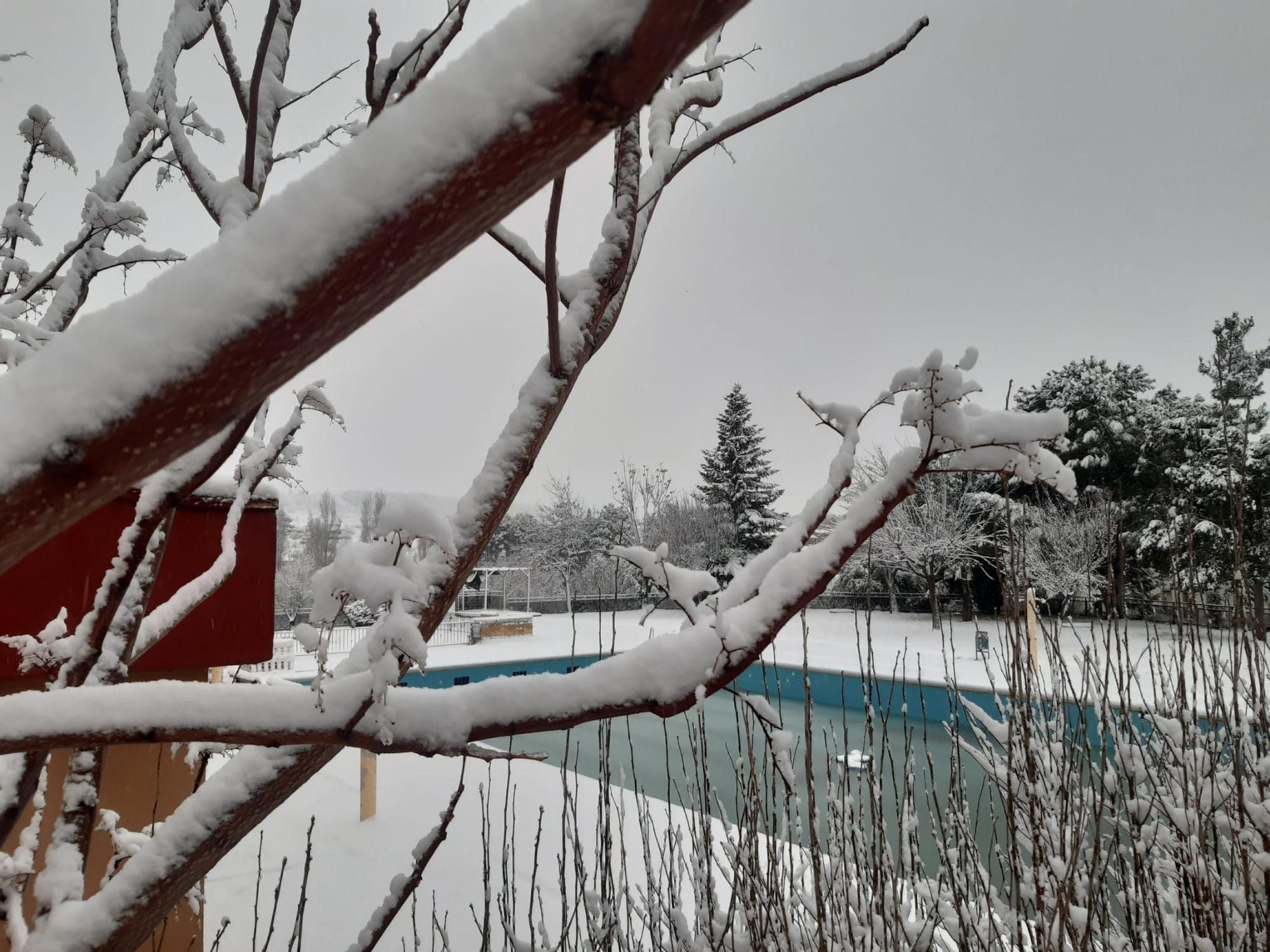 La nieve cubre Caudete de las Fuentes