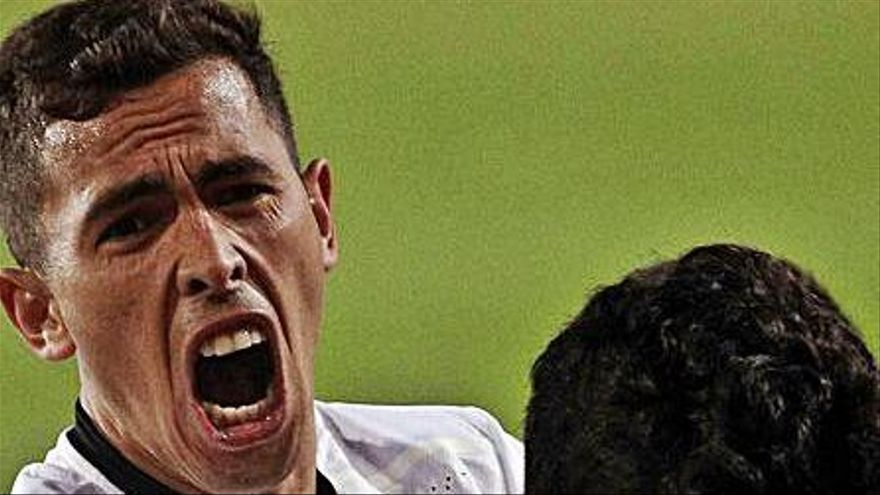 Oliva se gana su momento en el Valencia