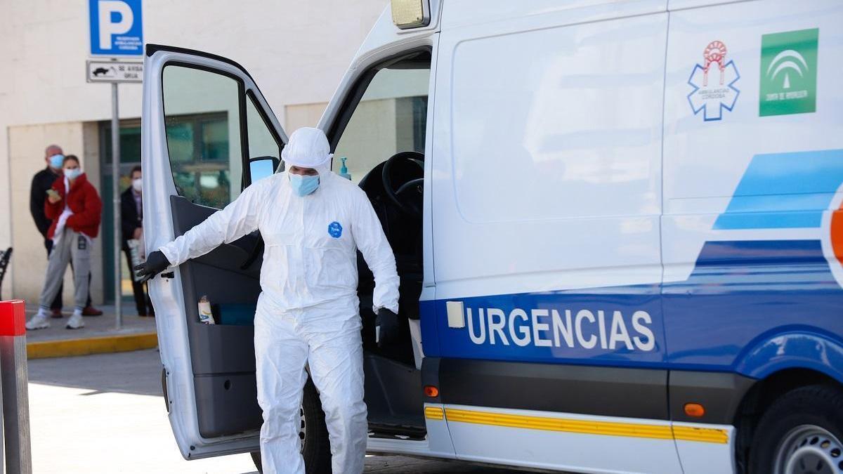 Andalucía suma 33 muertes por covid en 24 horas y 2.042 positivos