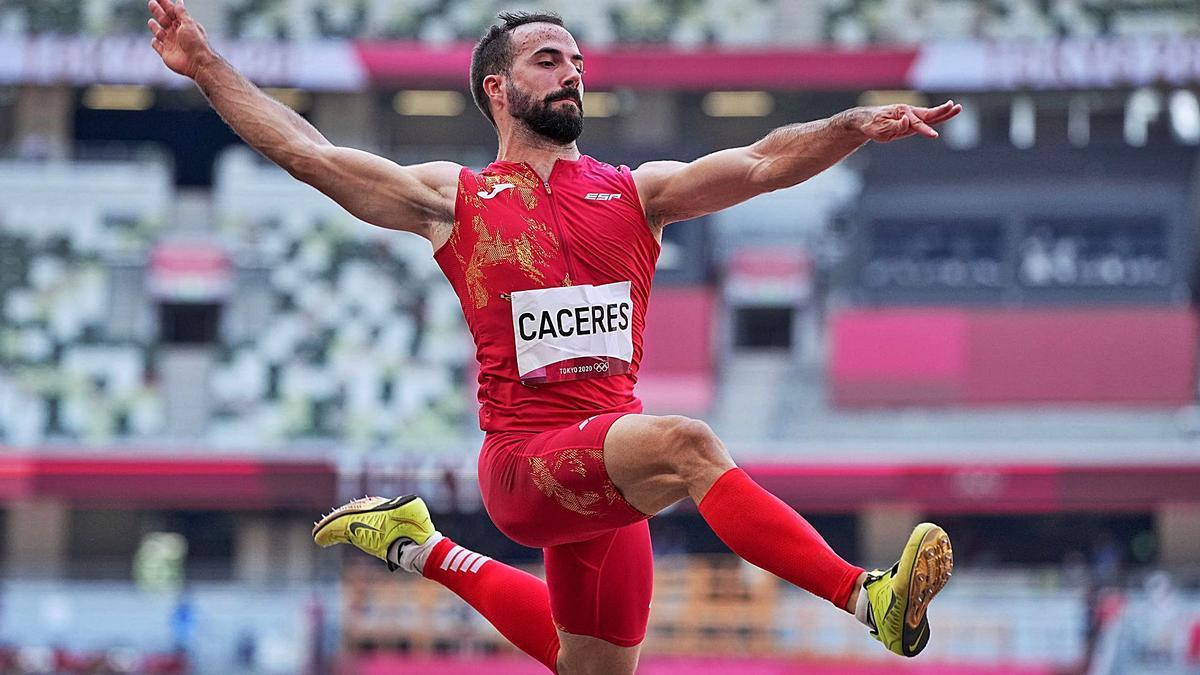 Eusebio Cáceres cuajó una gran actuación en el foso de Tokio pero no fue suficiente para colgarse una medalla.   EFE
