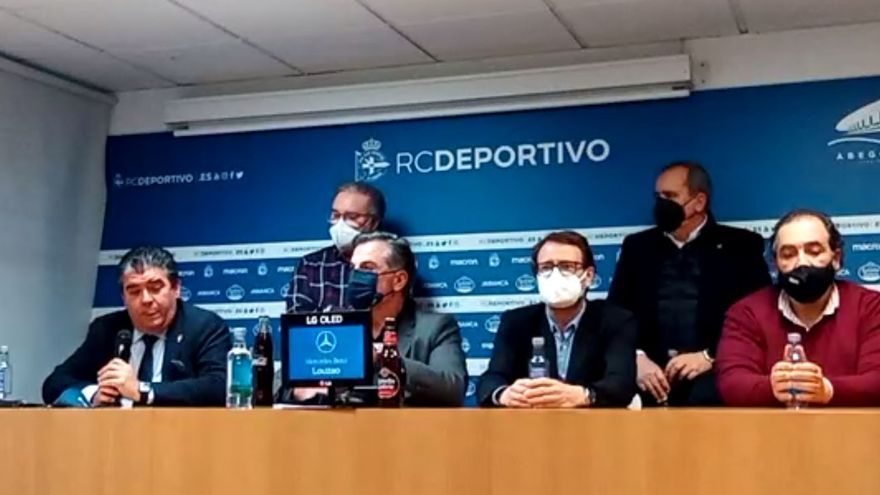 El consejo del Deportivo se aparta a petición de Abanca