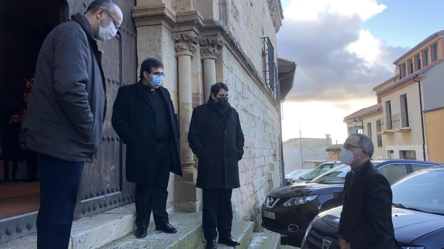 El nuevo obispo llega a Zamora y cumple con la tradición