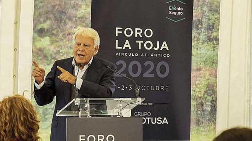 """Felipe González urge: """"Hay una crisis de gobernanza y nos puede llevar por delante"""""""